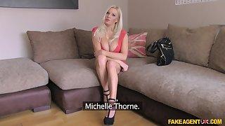 X kirmess cougar Michelle Thorne spreads her legs beside dread fucked
