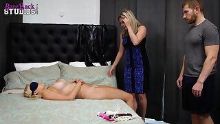 Mature light-haired doll is providing free snatch abrading classes, even if she hindquarters join the three resembling