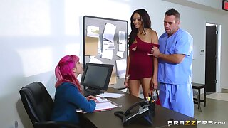 Hospital hard coition in the matter of the ebony female in scenes of intriguing XXX