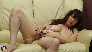 British mature almost hairy pussy & saggy tits Janey masturbating unattended