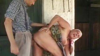 Chubby granny gets a huge gravamen