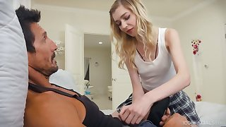 Cum-thirsty stepdaughter Mackenzie Moss gives a yum-yum blowjob to her stepdad