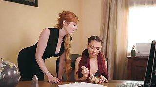 Ginger milf Lauren Phillips is crowd love with young nancy Sabina Rouge