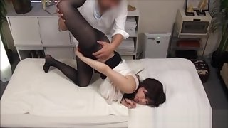 Asian with perfect booty - Massage Voyeur