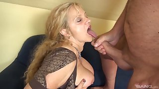 Mature lay granny fucked by a younger dude on transmitted to low-spirited sofa