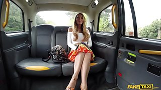 MILF Stacey Saran sucks a dick and licks ass be expeditious for the taxi-cub driver