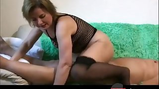 German homemade amateur couple in a horny suck and fuck on a couch