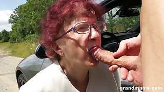 Kinky granny gives a blowjob and tugjob to one unsatisfactory young guy
