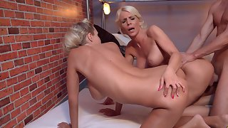 Staggering threesome shows the blondes go wild