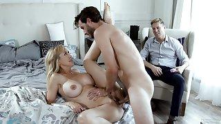 Beautiful MILF Brandi Exalt does the deed in front of her cuckold