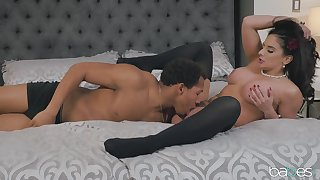 Sheena Ryder gets dressed Theatre sides boudoir shots and fucks her photographer